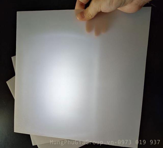 tấm mica tản sáng