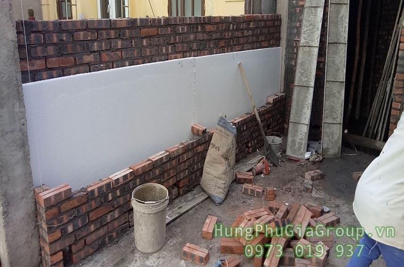 sử dụng tấm cách nhiệt chống nóng tường nhà